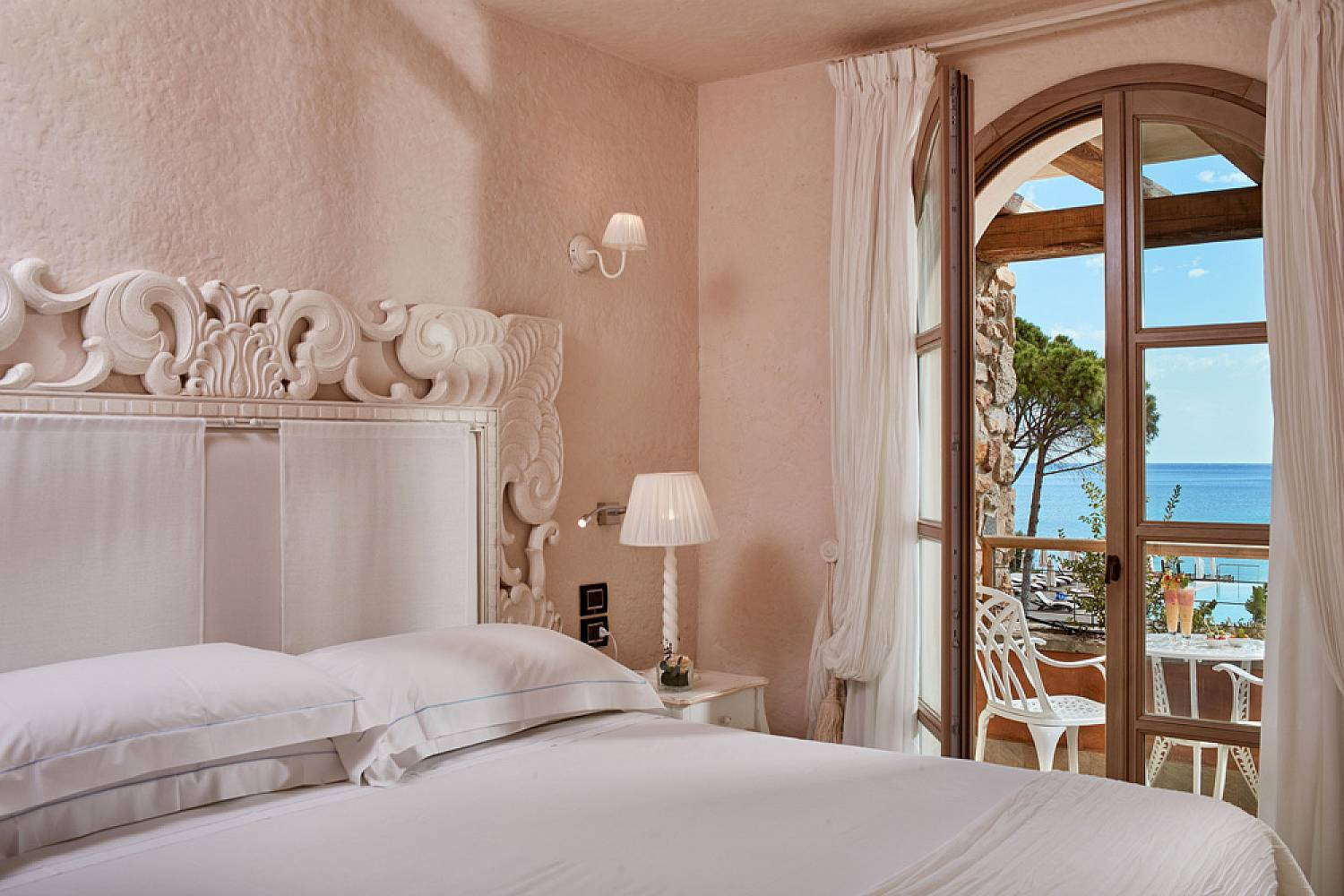 sardinia chat rooms After entering the chat you will be presented with a list of chat rooms to select from, similar to what is displayed in the above image name of all the public & your private chat rooms will be displayed, alongside the number of people in each room.